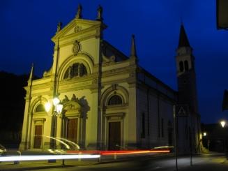 S Pietro notturna1
