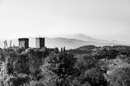 Castello_Della_Villa_02